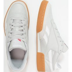 Reebok Classic REVENGE PLUS GUM Tenisówki i Trampki skull grey/white. Białe tenisówki damskie marki Reebok Classic. Za 419,00 zł.