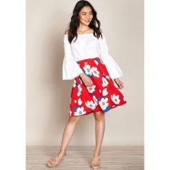 Minispódniczki: Spódnica krótka rozszerzana, rozkloszowana z kwiecistym nadrukiem