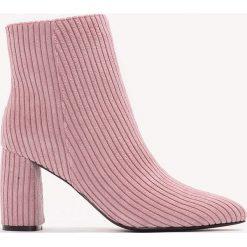 Botki damskie lity: NA-KD Shoes Botki na średnim obcasie Manchester - Pink