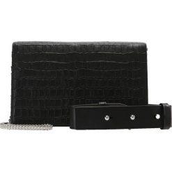 Torebki klasyczne damskie: AllSaints KEEL MATTE BOX Torba na ramię black
