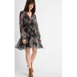Sukienki: Sukienka ze wzorem paisley