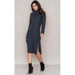 Sukienki dzianinowe: NA-KD Dzianinowa sukienka z rozcięciami – Grey