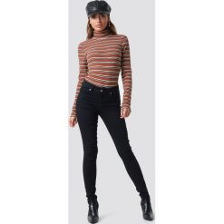 NA-KD Jeansy Skinny Mid Waist - Black. Czarne jeansy damskie skinny NA-KD. Za 141,95 zł.