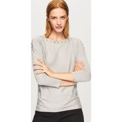 Sweter z ozdobnym wiązaniem - Szary. Białe swetry klasyczne damskie marki Reserved, l. Za 69,99 zł.