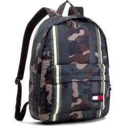 Plecaki damskie: Plecak TOMMY HILFIGER - Light Nylon Backpack Camo Stripe AM0AM02918 901