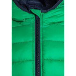 Benetton Kurtka zimowa green. Zielone kurtki dziewczęce zimowe marki Benetton, z materiału. W wyprzedaży za 126,75 zł.