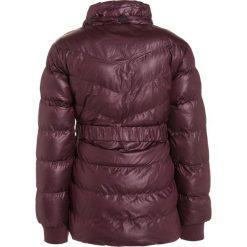 Lemon Beret Kurtka zimowa winetasting. Czerwone kurtki dziewczęce zimowe marki Reserved, z kapturem. W wyprzedaży za 135,20 zł.