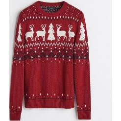 Sweter ze świątecznym motywem - Bordowy. Niebieskie swetry klasyczne męskie marki Cropp, l. Za 119,99 zł.
