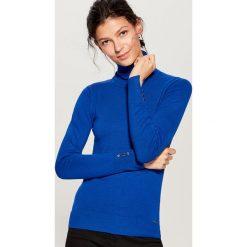 Golfy damskie: Gładki sweter z golfem - Niebieski