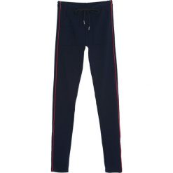 Granatowe Spodnie Dresowe Evenness. Czarne spodnie dresowe damskie marki Born2be, l. Za 39,99 zł.