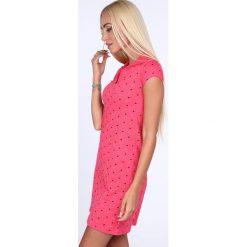 Sukienka polo w serduszka amarantowa 7689. Czerwone sukienki Fasardi, xxl, polo, oversize. Za 59,00 zł.