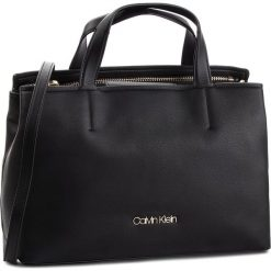 Torebka CALVIN KLEIN - Drive Tote K60K604461 001. Czarne torebki klasyczne damskie Calvin Klein, ze skóry ekologicznej, duże. Za 749,00 zł.