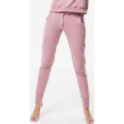 Cardio Bunny - Spodnie Pretty. Szare spodnie sportowe damskie Cardio Bunny, l, z bawełny. Za 199,90 zł.