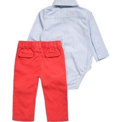 Chinosy chłopięce: Carter's BOY HOLIDAY BABY SET  Spodnie materiałowe red