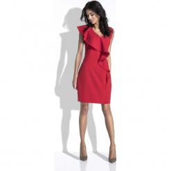 Czerwona Sukienka bez Rękawów z Asymetryczną Falbanką. Czerwone sukienki asymetryczne Molly.pl, l, eleganckie, z asymetrycznym kołnierzem, bez rękawów. W wyprzedaży za 111,93 zł.