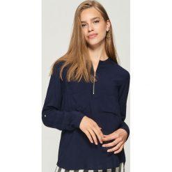 Bluzki damskie: Bluzka z zamkiem - Granatowy