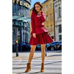 KLARA Casualowa sukienka z podwójną falbanką bordo. Czerwone długie sukienki marki Mohito, l, z materiału, z falbankami. Za 169,00 zł.