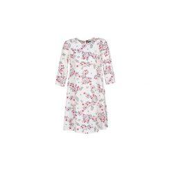 Sukienki krótkie Benetton  APOLERODI. Białe sukienki mini marki Benetton, s, z krótkim rękawem. Za 143,20 zł.