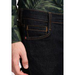 Mustang OREGON TAPERED Jeansy Slim Fit rinsed washed. Czarne jeansy męskie relaxed fit marki Mustang, l, z bawełny, z kapturem. W wyprzedaży za 237,30 zł.