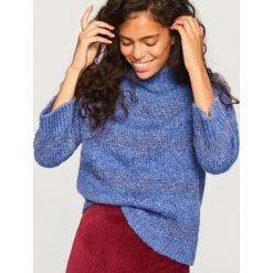 Swetry klasyczne damskie: Sweter z błyszczącej dzianiny - Niebieski