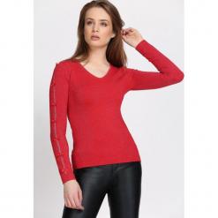 Czerwony Sweter Reflecting. Czerwone swetry klasyczne damskie Born2be, l, dekolt w kształcie v. Za 74,99 zł.