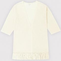 Kardigan kaszmirowy w kolorze kremowym. Białe kardigany damskie marki Ateliers de la Maille, z kaszmiru. W wyprzedaży za 591,95 zł.