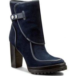 Botki CALVIN KLEIN JEANS - Modesta R3516 Midnight. Niebieskie botki damskie na obcasie Calvin Klein Jeans, z jeansu. W wyprzedaży za 419,00 zł.