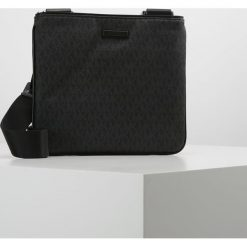 Michael Kors JET SET Torba na ramię black. Czarne torby na ramię męskie marki Michael Kors. W wyprzedaży za 524,30 zł.