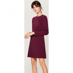 Sukienka z drapowanymi rękawami - Bordowy. Czerwone sukienki z falbanami marki Mohito, l. Za 119,99 zł.