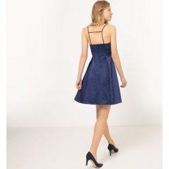 Sukienki hiszpanki: Sukienka na cienkich ramiączkach z pięknym tyłem