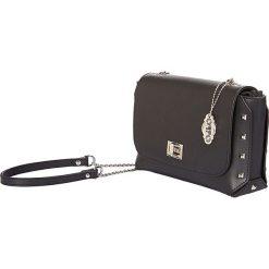 """Skórzana torebka """"Clarysse"""" w kolorze czarnym - 21 x 13 x 7,5 cm. Czarne torebki klasyczne damskie Oqpo, w paski, z materiału. W wyprzedaży za 280,95 zł."""
