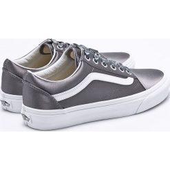 Vans - Tenisówki. Szare trampki i tenisówki damskie marki Vans, z gumy, na sznurówki. W wyprzedaży za 269,90 zł.