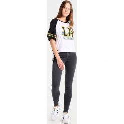 Topshop JONI NEW Jeans Skinny Fit washedblack. Czarne jeansy damskie marki Topshop, z bawełny. Za 209,00 zł.