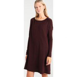 Sukienki dzianinowe: American Vintage SONOMA Sukienka dzianinowa griotte vintage