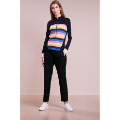 Bogner NADEA Sweter marine. Szare swetry klasyczne damskie marki Bogner, m, z nadrukiem, z bawełny. W wyprzedaży za 503,60 zł.