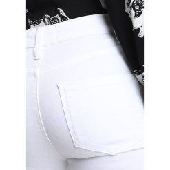 Dorothy Perkins RIP DARCY Jeans Skinny Fit white. Białe jeansy damskie relaxed fit marki Dorothy Perkins, z bawełny. Za 139,00 zł.