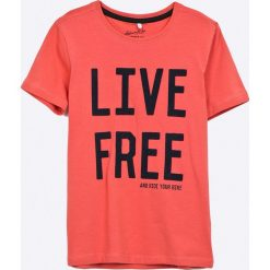 Name it - T-shirt dziecięcy 122-164 cm. Różowe t-shirty chłopięce z nadrukiem marki Name it, z bawełny, z okrągłym kołnierzem. W wyprzedaży za 39,90 zł.
