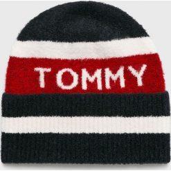 Tommy Hilfiger - Czapka. Szare czapki zimowe damskie marki TOMMY HILFIGER, m, z nadrukiem, z bawełny, casualowe, z okrągłym kołnierzem. Za 199,90 zł.