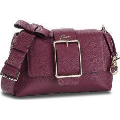 Torebka GUESS - HWVG70 95190  BUR. Czerwone torebki klasyczne damskie Guess, ze skóry ekologicznej. Za 629,00 zł.