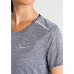 Nike Performance BREATHE Tshirt z nadrukiem thunder blue/heather/reflective silver. Niebieskie topy sportowe damskie marki Nike Performance, l, z nadrukiem, z materiału. W wyprzedaży za 125,30 zł.