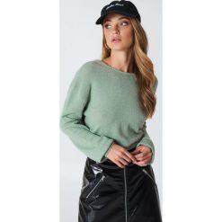 Swetry damskie: NA-KD Dzianinowy sweter z kopertowym tyłem – Green