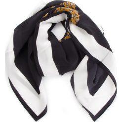 Chusta MOSCHINO - 03525 M1842 002. Czarne chusty damskie MOSCHINO, z jedwabiu. Za 819,00 zł.