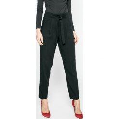 Spodnie z wysokim stanem: Vero Moda – Spodnie