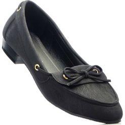 Mokasyny w 2 szerokościach bonprix czarny. Czarne baleriny damskie marki bonprix. Za 59,99 zł.