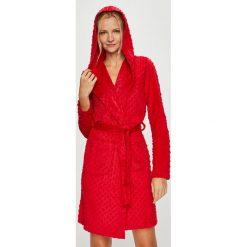 Henderson Ladies - Szlafrok. Czerwone szlafroki kimona damskie Henderson Ladies, l, z poliesteru. W wyprzedaży za 99,90 zł.