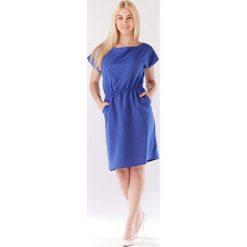 Niebieska Sukienka z Gumkami w Talii z Kimonowym Rękawkiem. Niebieskie sukienki dzianinowe Molly.pl, do pracy, l, biznesowe, z krótkim rękawem, mini, proste. Za 119,90 zł.