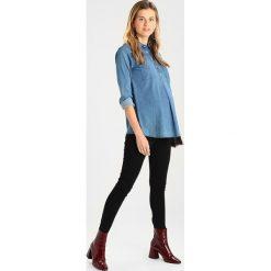 Slacks & Co. TATIANA Bluzka indigo. Niebieskie bralety Slacks & Co., z bawełny. W wyprzedaży za 383,20 zł.