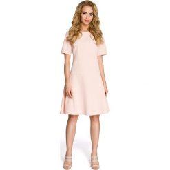 FAITH Sukienka - pudrowa. Różowe sukienki mini marki numoco, l, z dekoltem w łódkę, oversize. Za 139,00 zł.