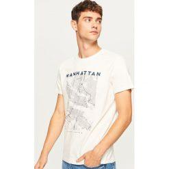 T-shirt z nadrukiem - Kremowy. Białe t-shirty męskie z nadrukiem Reserved, l. Za 39,99 zł.