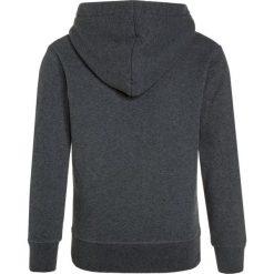 American Outfitters HOODIE BEAR Bluza z kapturem  heather grey. Szare bluzy dziewczęce rozpinane marki American Outfitters, z bawełny, z kapturem. W wyprzedaży za 179,40 zł.
